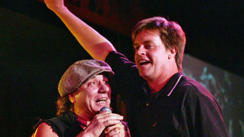 Brian Johnson  y Jim Bauer