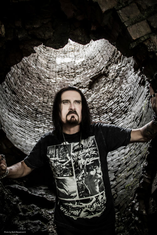 James LaBrie de DREAM THEATER
