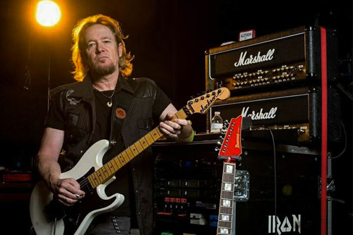 Adrian Smith recuerda al productor de IRON MAIDEN Martin Birch
