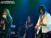 """<strong>RATA BLANCA</strong> – Foto: Fernando Checa"""" width=""""175″ height=""""131″ border=""""0″ onclick=""""MM_openBrWindow('images/web/rata_blanca/concierto/madrid10_07/8hg.jpg',"""",'width=520,height=395′)"""" /></a></div></td></tr></table><p align="""