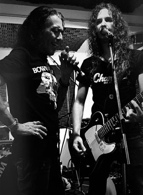 Stephen Pearcy y Eric Ferentinos